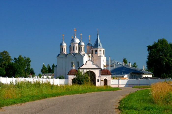 paisievo-galichskij-uspenskij-monastyr-700x466