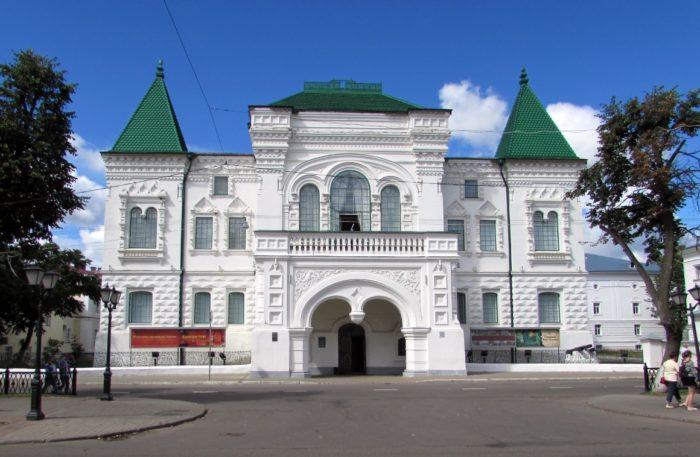 romanovskij-muzej-700x457