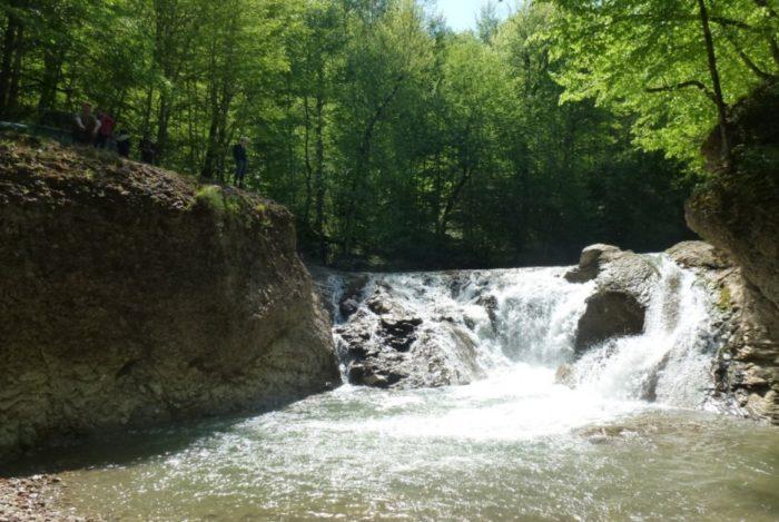 sahrajskie-vodopady-700x469