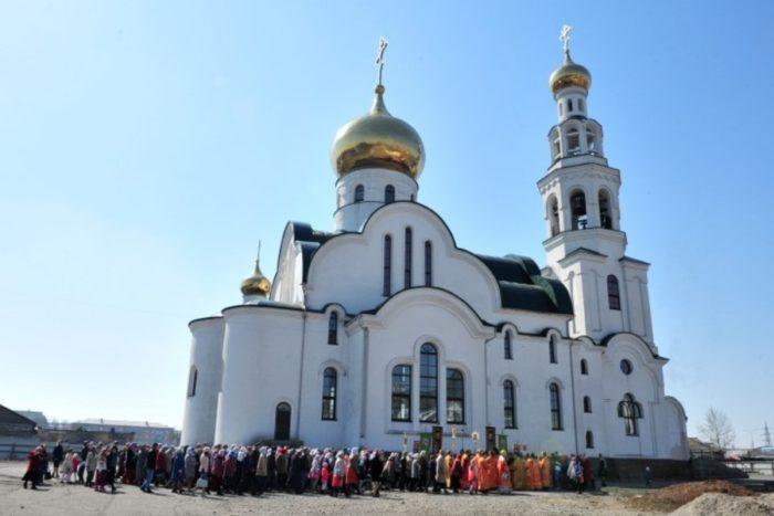 sobor-voskreseniya-hristova-v-kyzyle-700x467