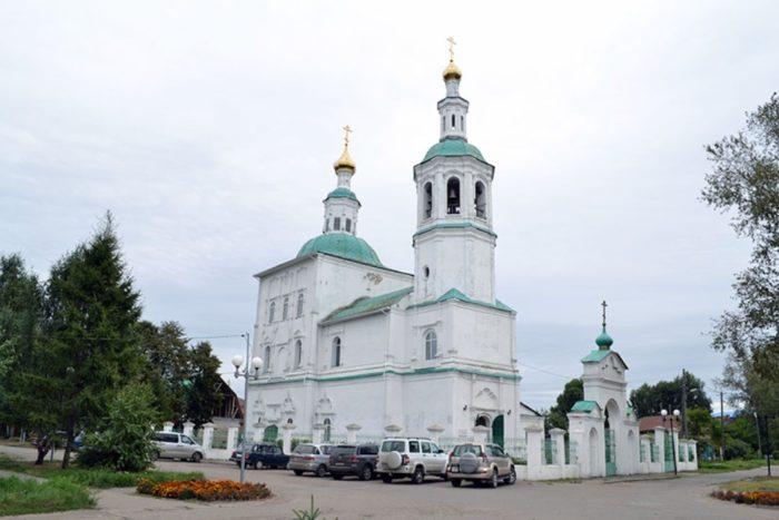 spasskaya-cerkov-v-tare-700x467