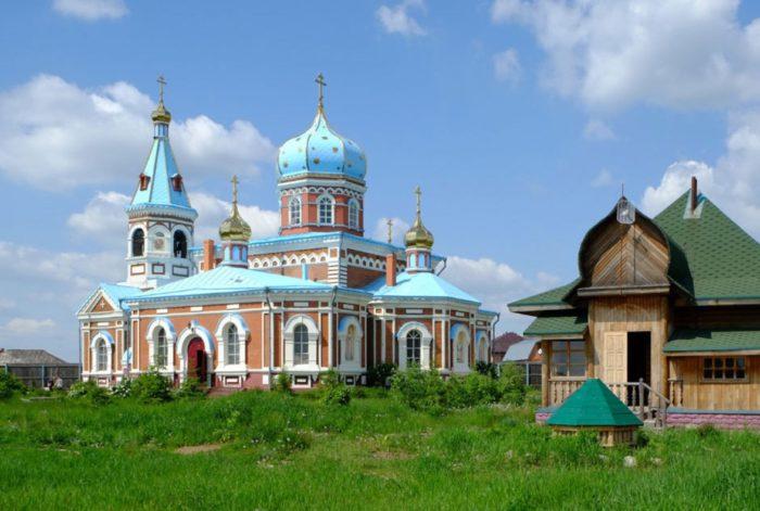 svyato-nikolskij-monastyr-1-700x471
