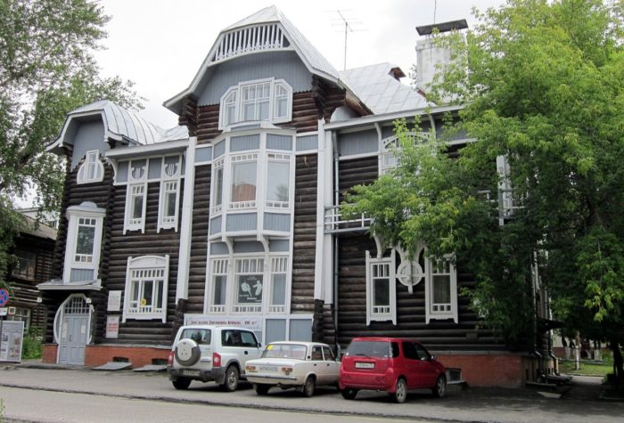 tomskij-muzej-derevyannogo-zodchestva-700x475