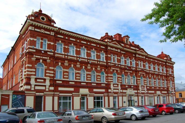 tomskij-oblastnoj-hudozhestvennyj-muzej-700x466