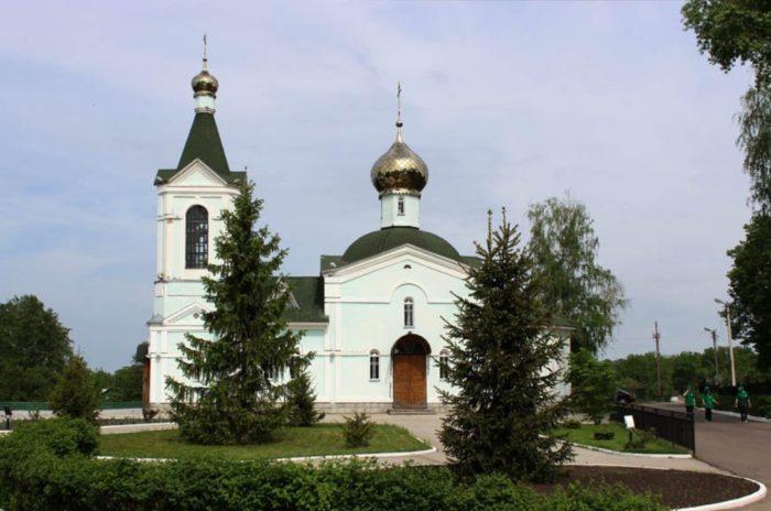 tregulyaevskij-monastyr-700x464