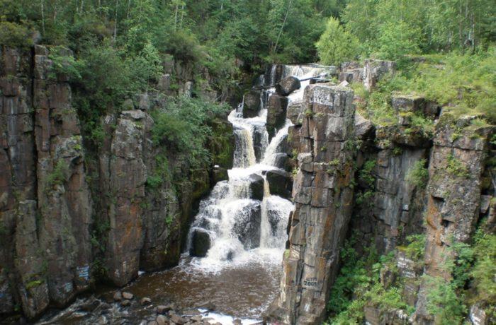 ukovskij-vodopad-700x460