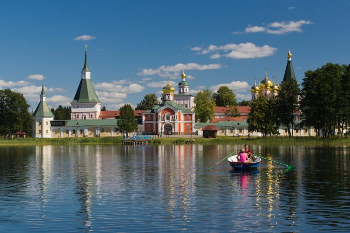 valdajskij-iverskij-monastyr-700x466