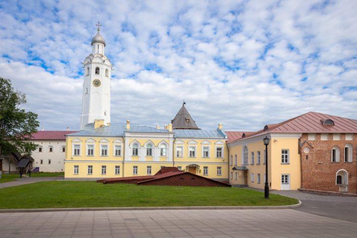 vladychnaya-palata-700x466