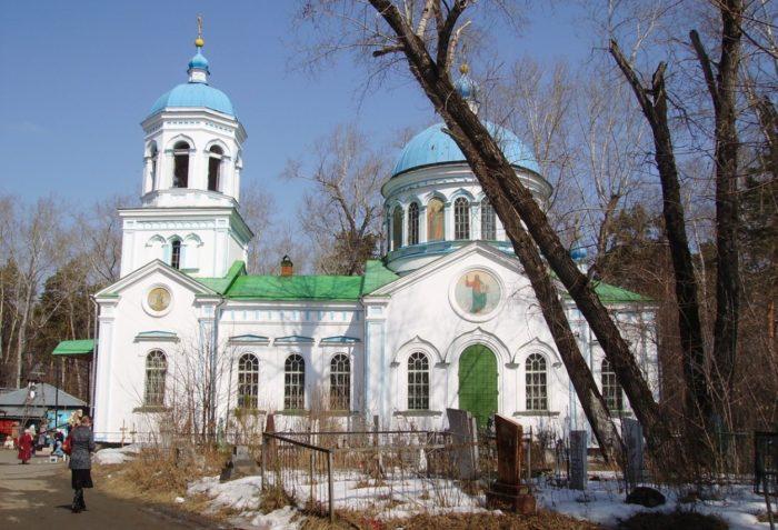voskresenskaya-kladbishchenskaya-cerkov-700x477