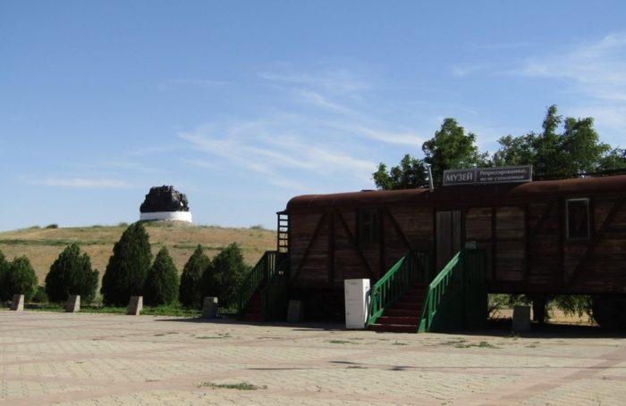 memorialnyj-kompleks-iskhod-i-vozvrashchenie-700x455