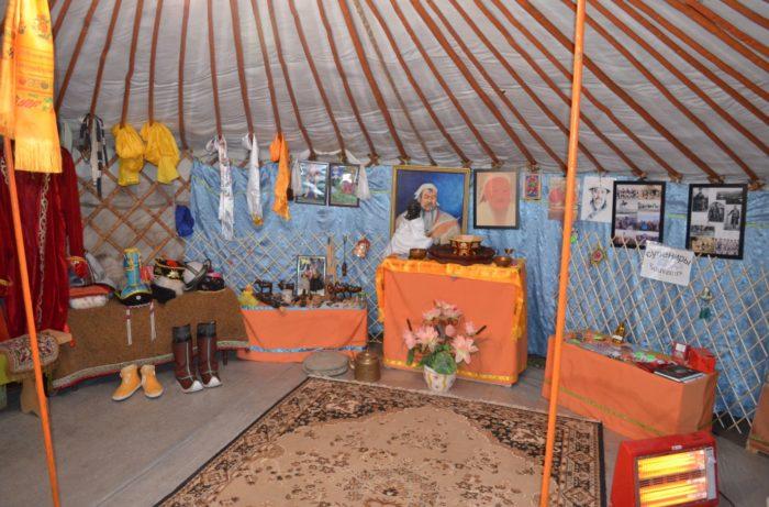 muzej-ojrat-mongolskoj-kochevoj-kultury-700x461