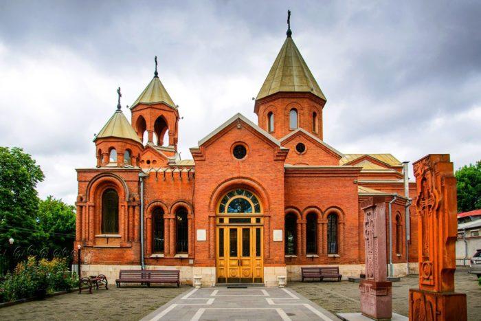 cerkov-svyatogo-grigoriya-prosvetitelya-700x467