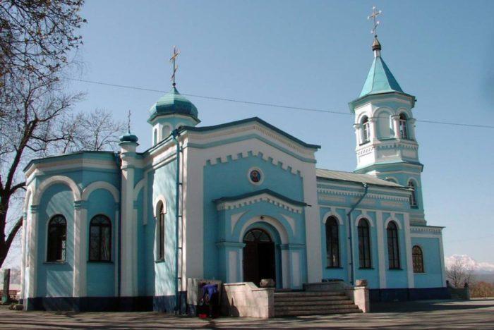 hram-rozhdestva-presvyatoj-bogorodicy-700x468