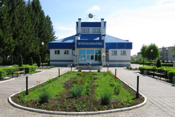 memorialnyj-kompleks-letchika-kosmonavta-sssr-ag-nikolaeva-700x468