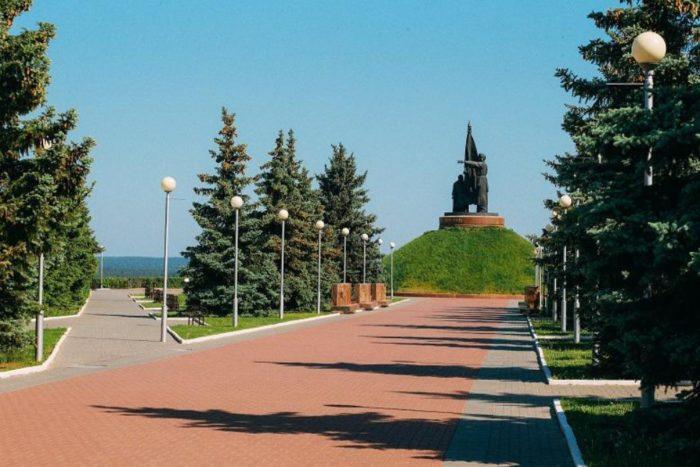 memorialnyj-park-pobeda-700x467