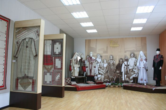muzej-chudesnaya-vyshivka-paha-tere-700x466