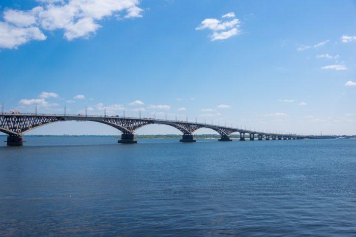 saratovskij-avtomobilnyj-most-700x466