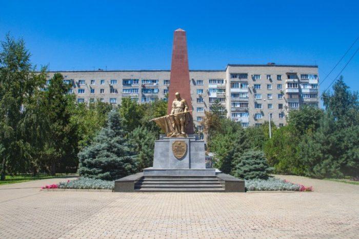 voenno-bratskij-memorialnyj-kompleks-700x467