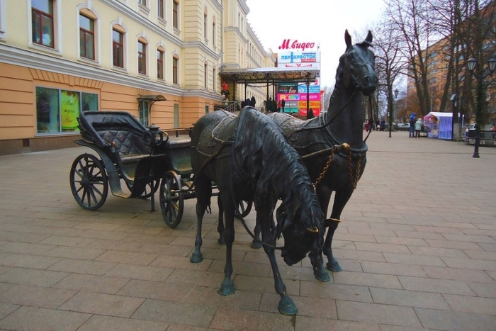 gubernatorskaya-kareta-700x467