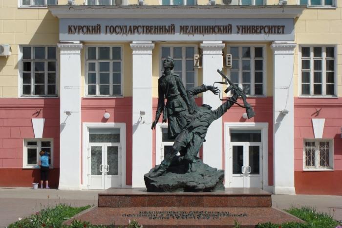meditsinskim-rabotnikam-pogibshim-v-vov-1941-1945-gg--700x467