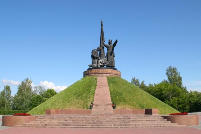 monument-voinskoi-slavy-700x466
