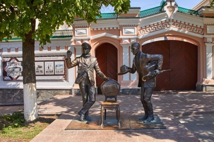 ostap-bender-i-kisa-vorobyaninov-700x465