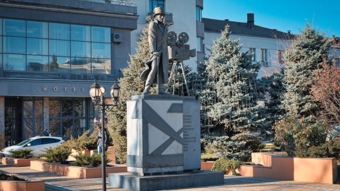 pamyatnik-aa-hanzhonkovu-700x394