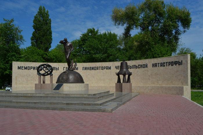 pamyatnik-likvidatoram-chernobyltsam