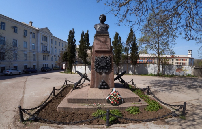 pamyatnik-matrosu-petru-koshke-700x449