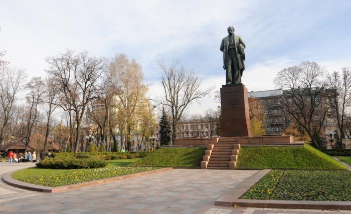 pamyatnik-tg-shevchenko-700x427