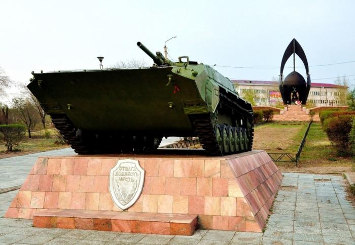 rovesnikam-ushedshim-v-boj-700x484