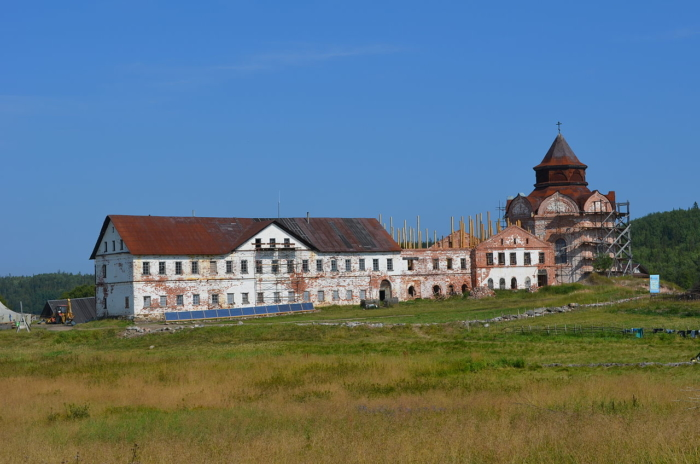 svyato-troitskii-anzerskii-skit-700x464