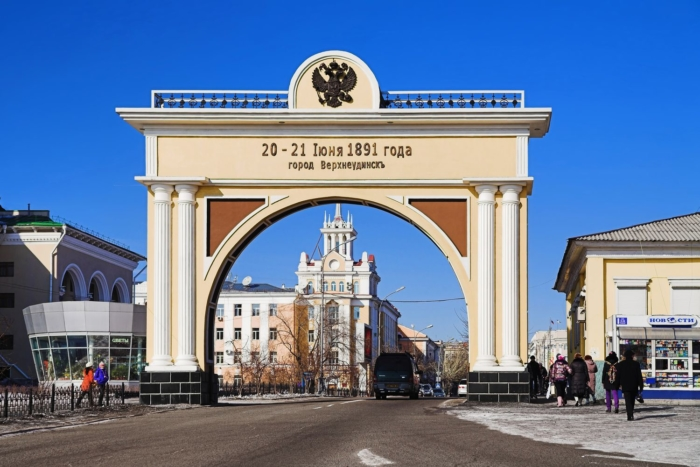 triumfalnaya-arka-tsarskie-vorota-700x467
