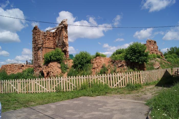 borisovskij-zamok-700x468