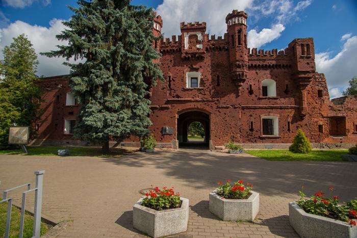 brestskaya-krepost-700x467