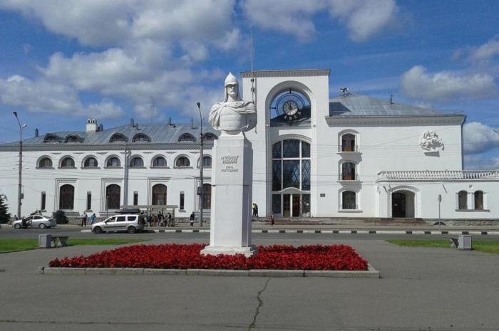 byust-aleksandr-nevskii--700x465