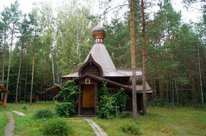 iversko-sofronieva-pustyn-700x465