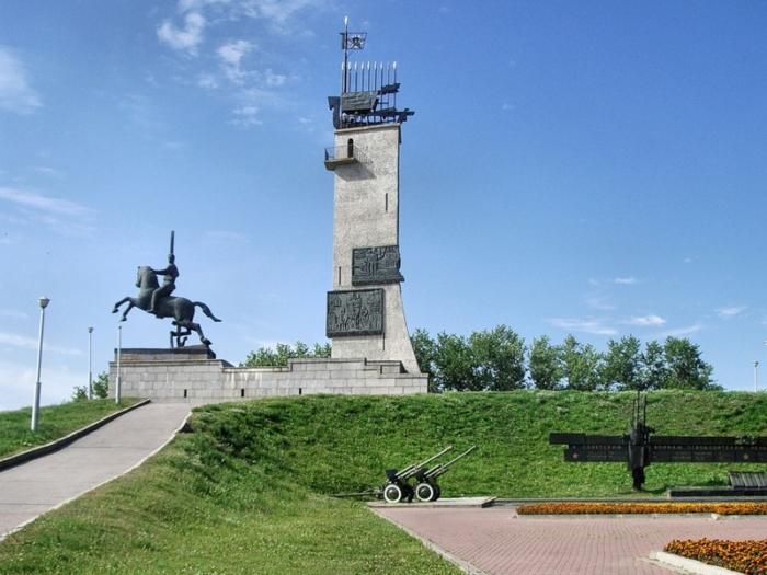 monument-pobedy-700x525