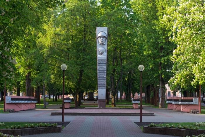 pamyatnik-osvobozhdeniyu-bresta-700x467
