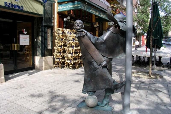 skulptura-gezy-hofi-700x466