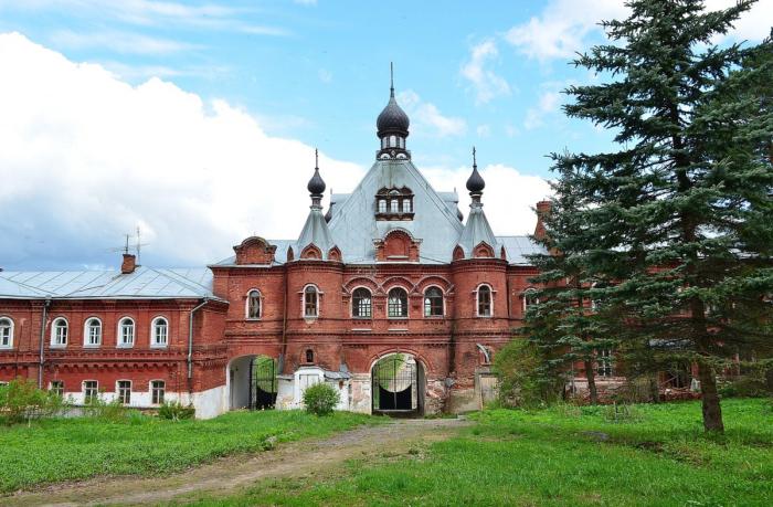 smolenskaya-zosimova-pustyn-700x459