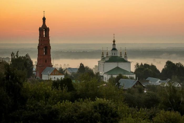 svyato-bogolyubskii-aleksievskii--700x470
