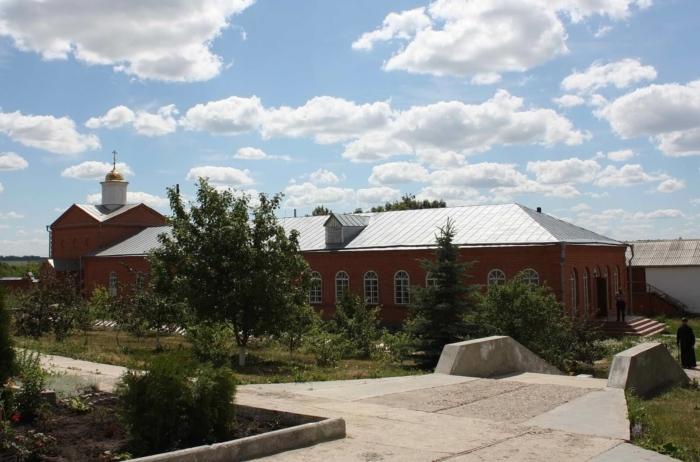 svyato-troitskii-chufarovskii--700x462