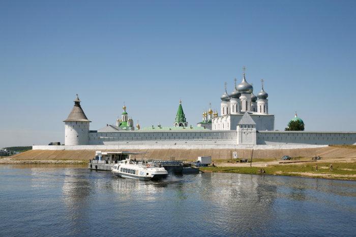 zheltovodskij-makariev-700x467