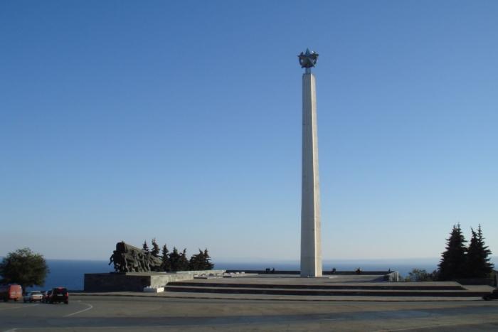 obelisk-vechnoj-slavy-700x467