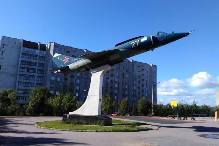 samolyot-yak-38-700x467