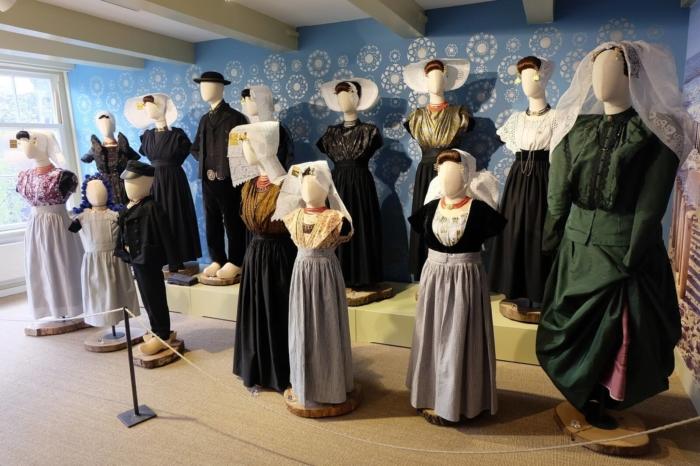 muzej-gollandskogo-kostyuma-700x466