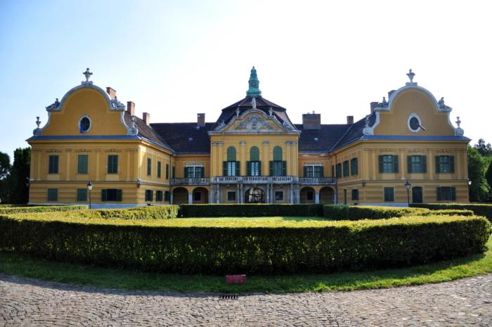 dvorets-muzej-nadteten-700x465