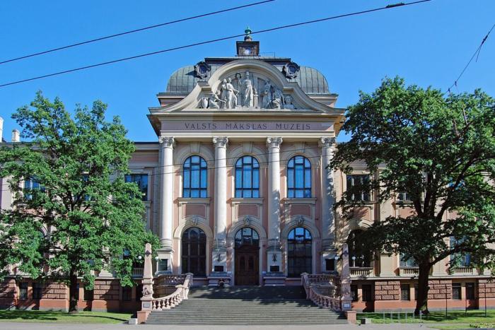 latvijskij-natsionalnyj-hudozhestvennyj-muzej-700x467