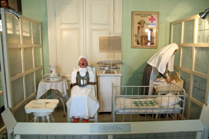 muzej-istorii-meditsiny-imeni-paula-stradynya-700x466